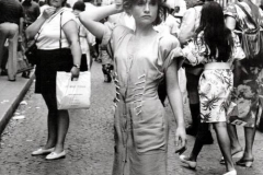 Robert Doisneau-Isabelle Huppert dans les rues de Montmartre-Paris-1985