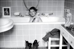 Lee-Miller-Hitler-bathroon